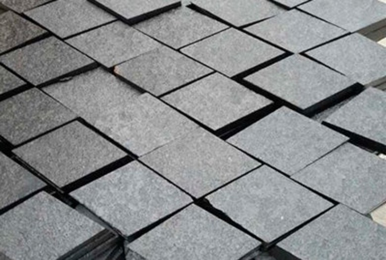 basalt-Paver-6x6-top-flamed-sides-cut