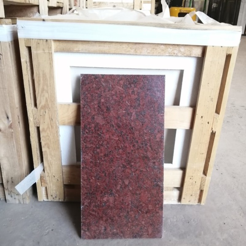 Гранит New Imperial Red 600*300*20 полированный.